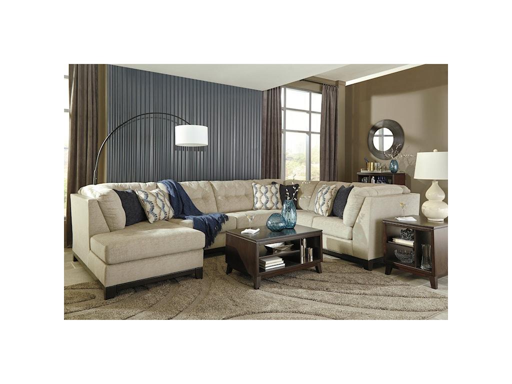 Benchcraft Beckendorf3-Piece Sectional w/ Chaise & Sleeper