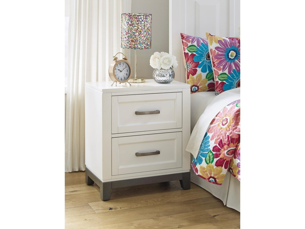 Benchcraft by Ashley BrynburgTwo Drawer Nightstand
