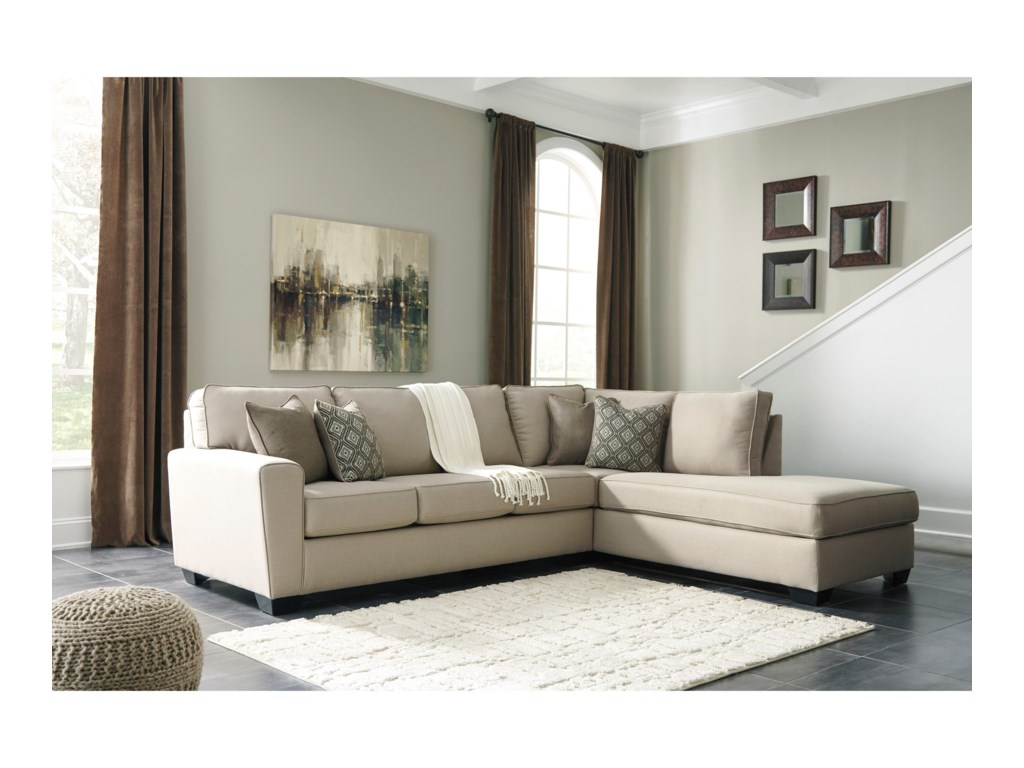 Benchcraft CalichoSectional with Right Chaise