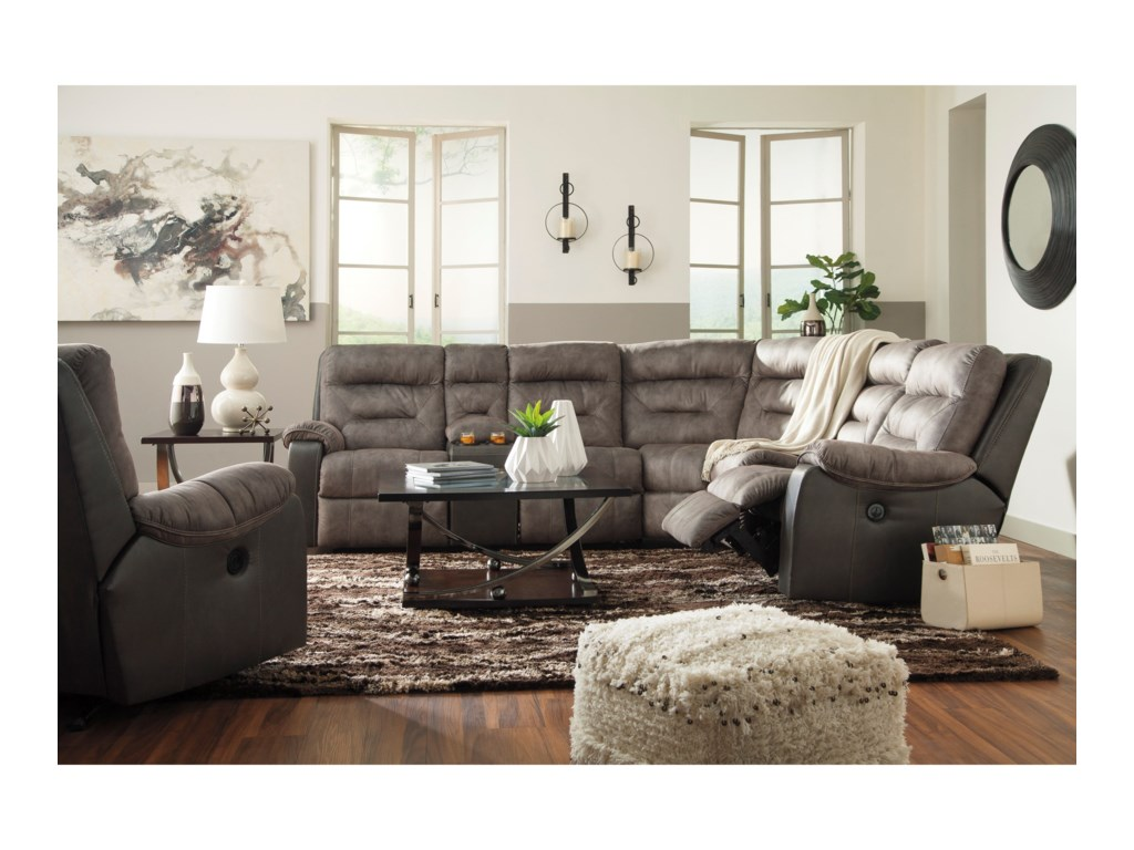 Benchcraft HacklesburyReclining Sectional