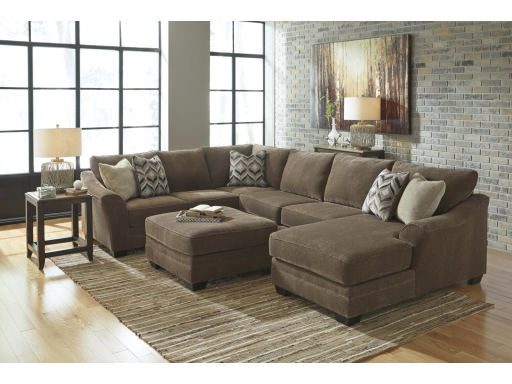 Benchcraft Justyna3-Piece Sectional with Right Chaise