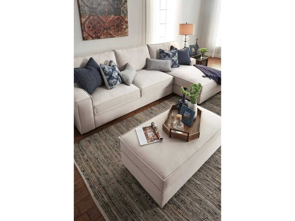 Benchcraft Kendleton2-Piece Sectional with Right Chaise