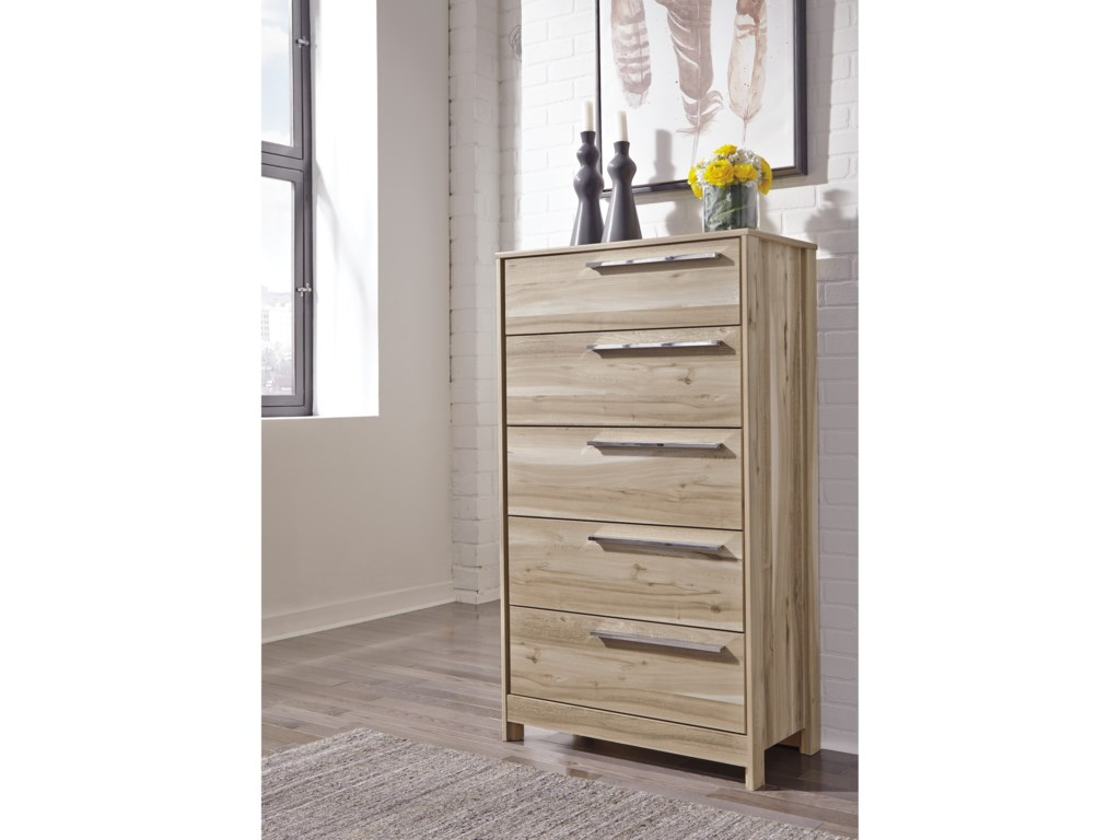 Benchcraft Kianni5-Drawer Chest