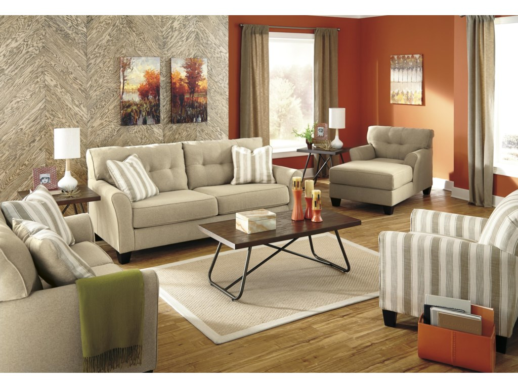 Benchcraft LarynStationary Living Room Group