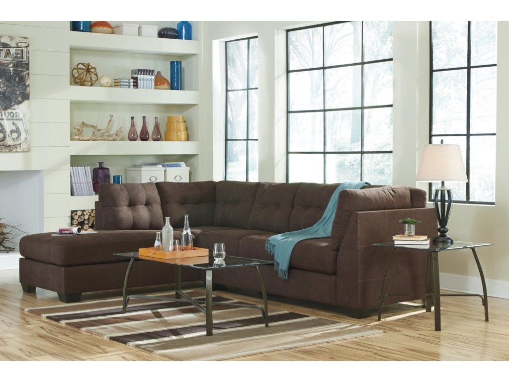 Benchcraft Mayberry2-Piece Sectional w/ Sleeper & Chaise