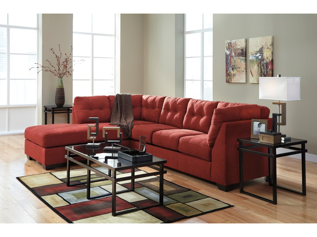 Benchcraft Maier - Sienna2-Piece Sectional w/ Sleeper & Chaise