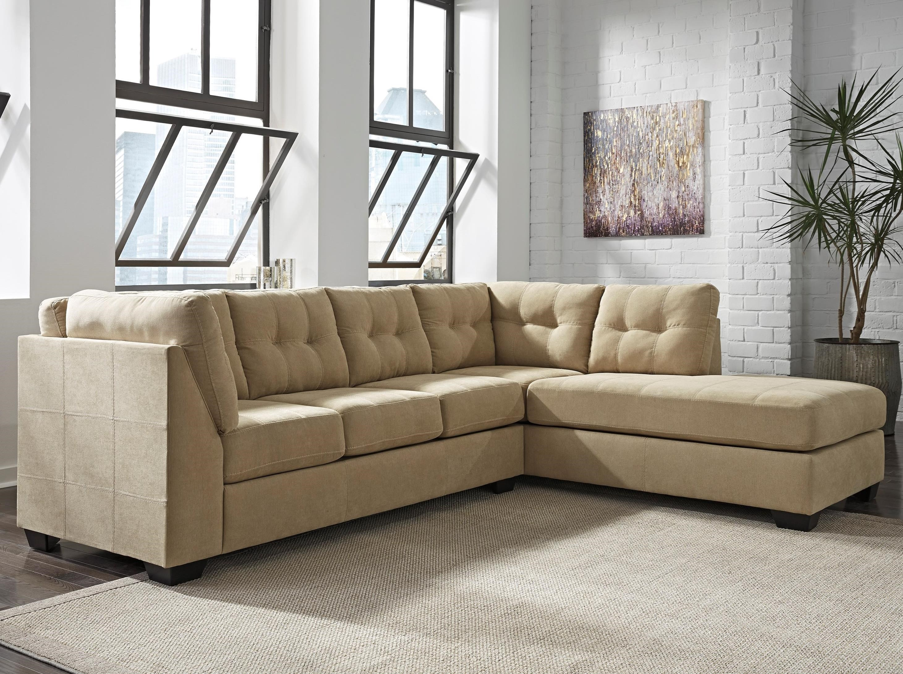Benchcraft Maier   Cocoa 2 Piece Sectional W/ Sleeper Sofa U0026 Right Chaise