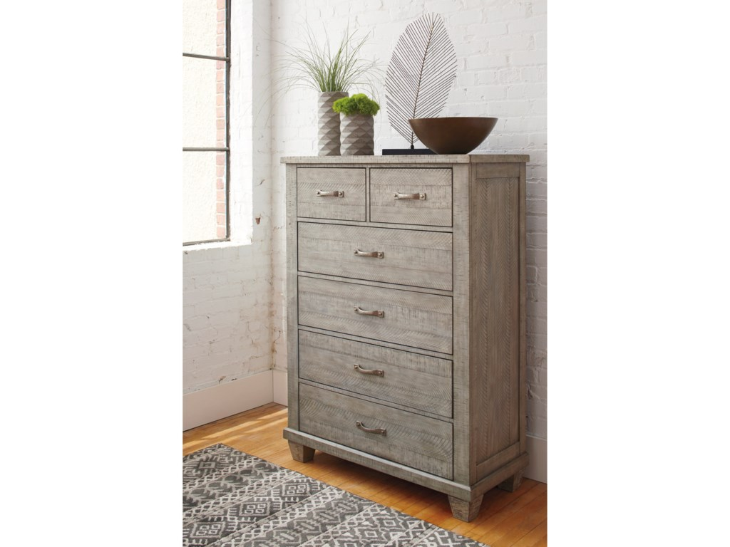 Signature Design By Ashley Naydell5-Drawer Chest
