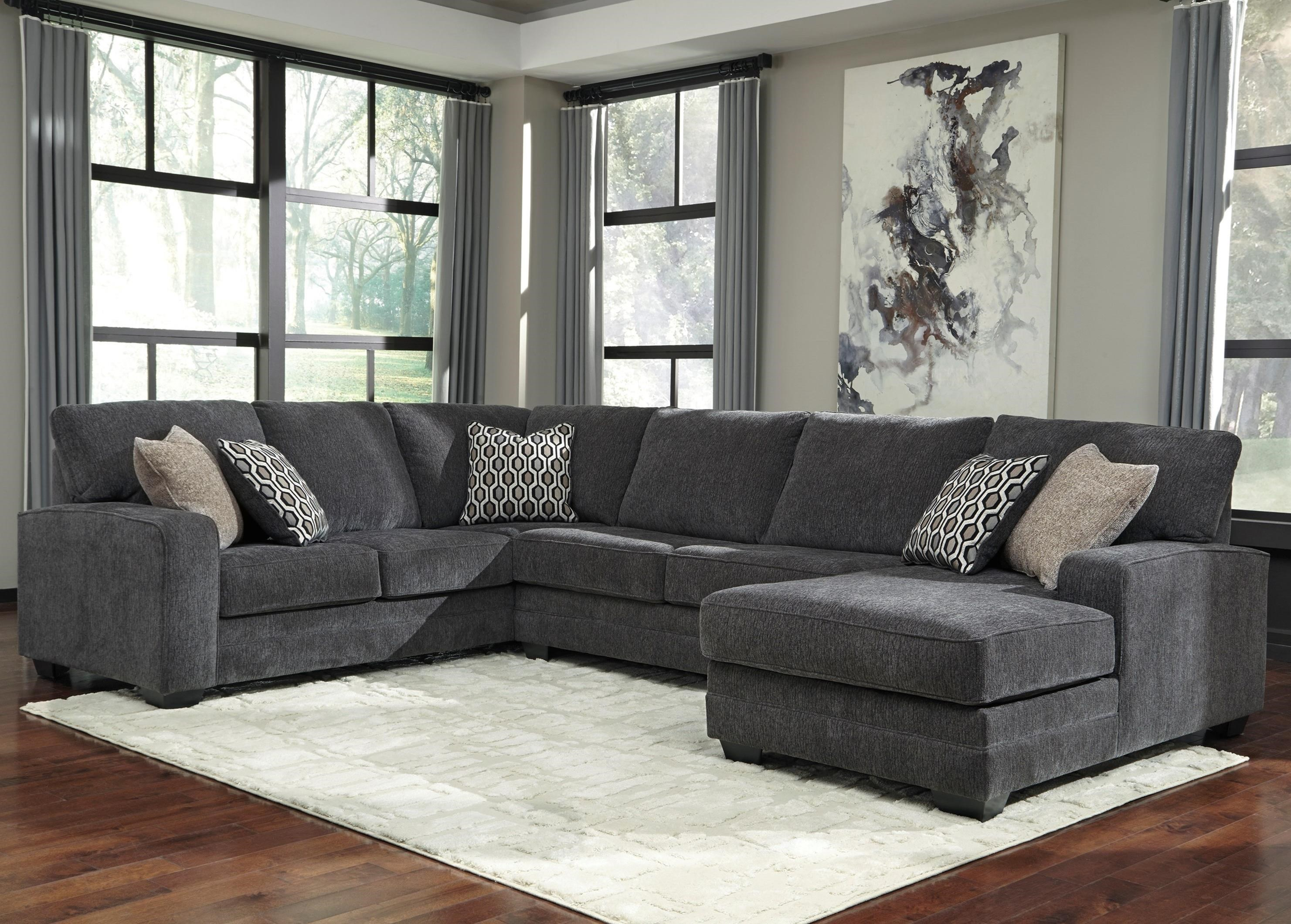 Benchcraft By Ashley TraclingSectional With Right Chaise ...