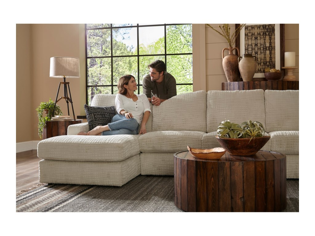 Best Home Furnishings Dovely5 Pc Sectional Sofa w/ LAF Chaise