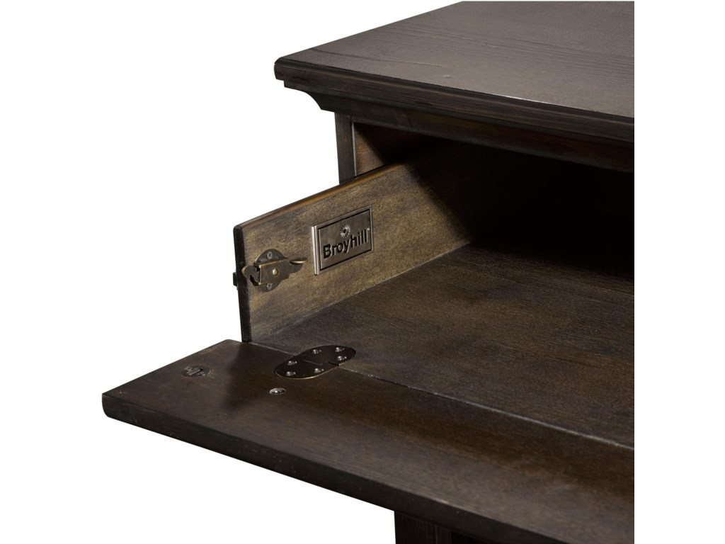 Broyhill Furniture AshgroveDrawer Dresser