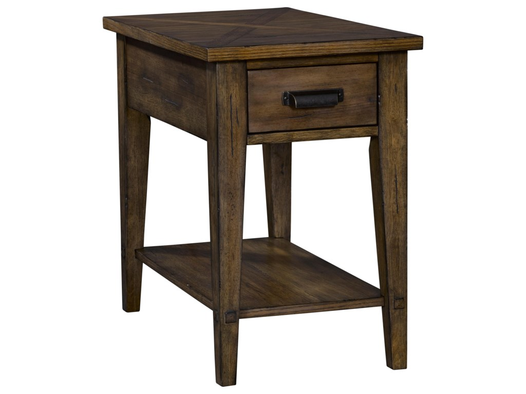 Broyhill Furniture CreedmoorChairside Table
