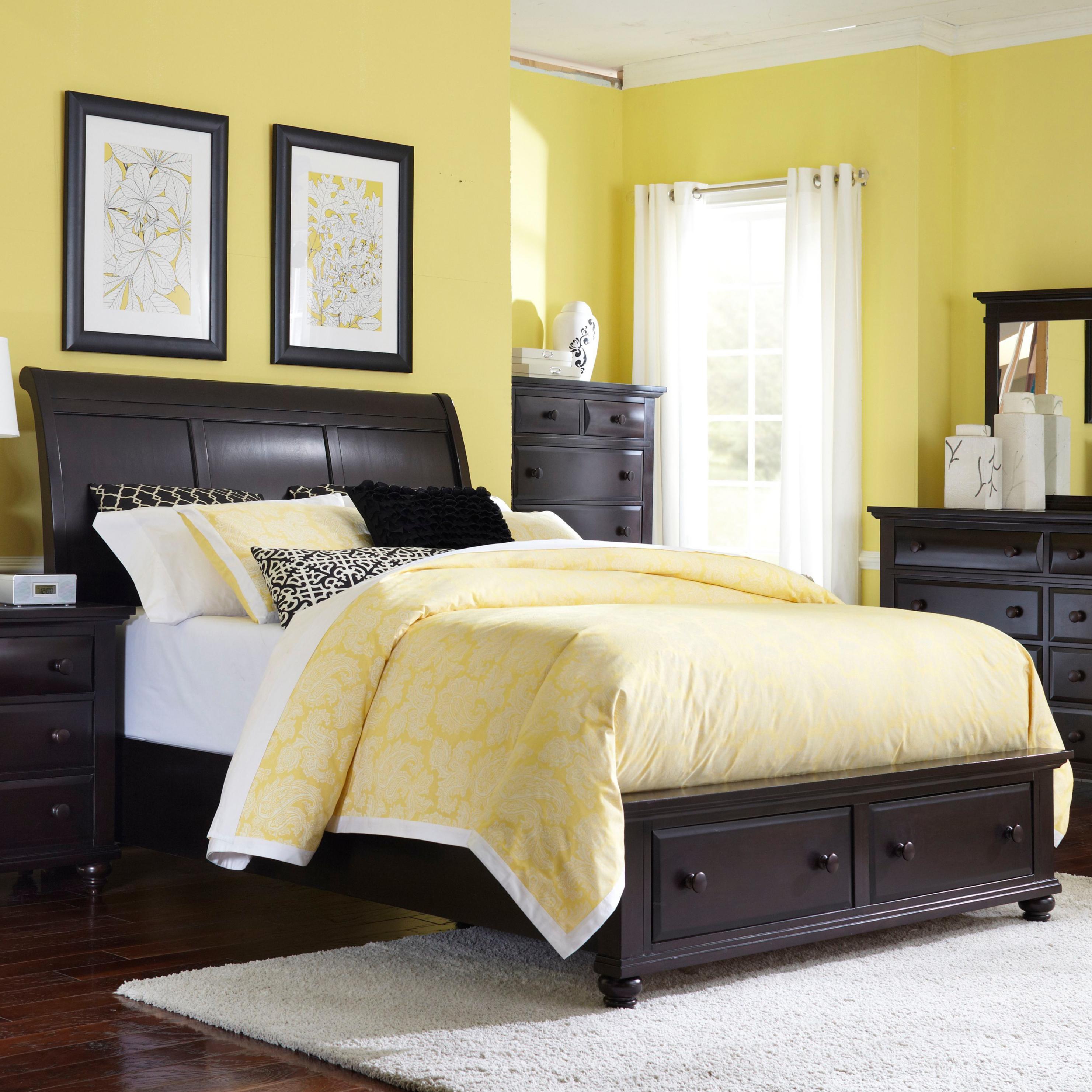 Broyhill Furniture FarnsworthQueen Sleigh Bed With Storage
