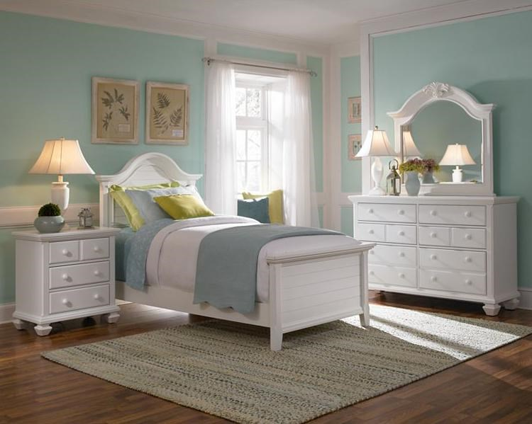 Shown with Night Stand, Twin Panel Bed and Mirror