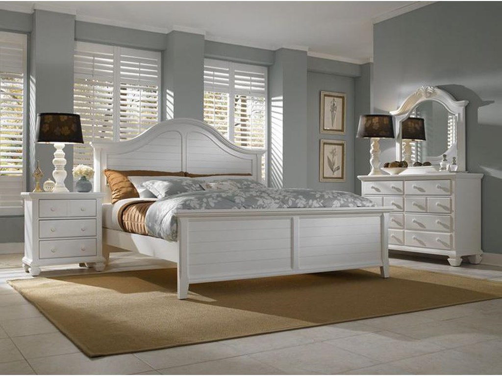 Broyhill Furniture Mirren HarborQueen Panel Bed