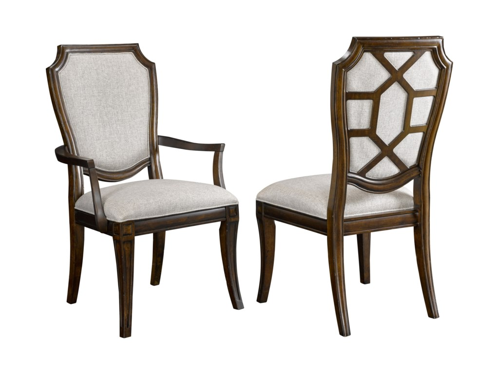 Broyhill Furniture New Charleston7 Piece Table and Chair Set