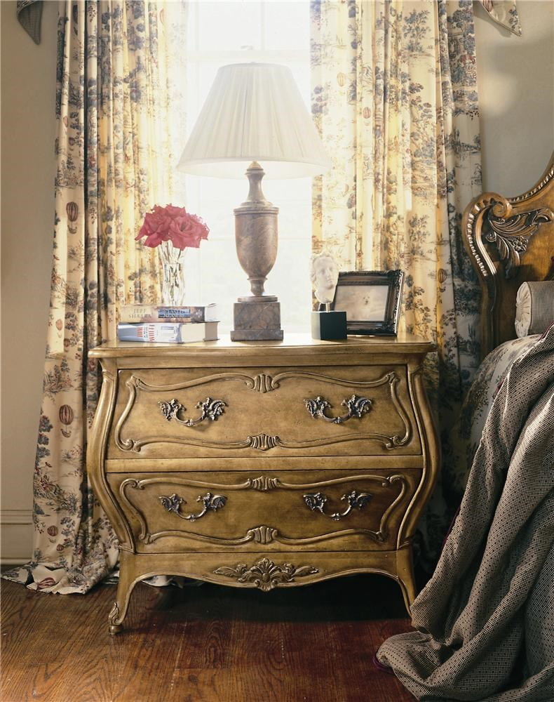 Century Coeur De France Martel Commode Bedside Table