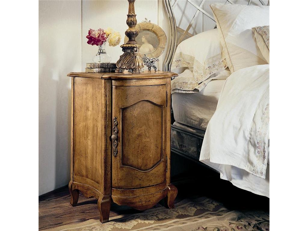 Century Coeur De FranceEnd Table/Nightstand