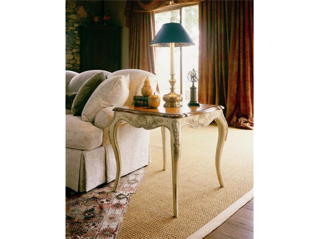 Century Coeur De FranceEnd/Lamp Table