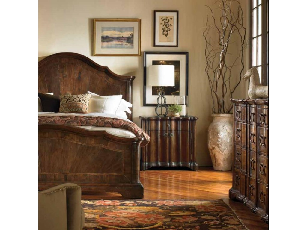 Shown with Lucera Mahogany Bed and Eight Drawer Anselmo Dresser