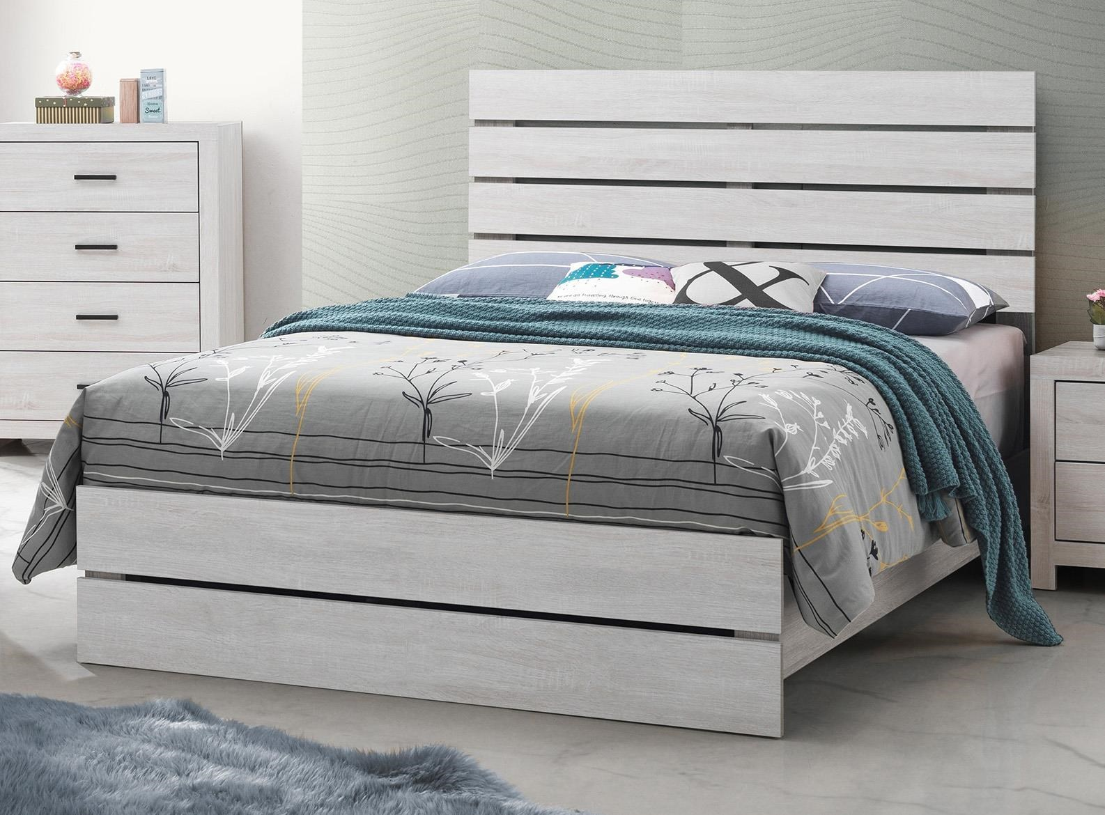 Picture of: Coaster Coastal 207051f White Full Size Platform Bed Sam Levitz Furniture Platform Beds Low Profile Beds