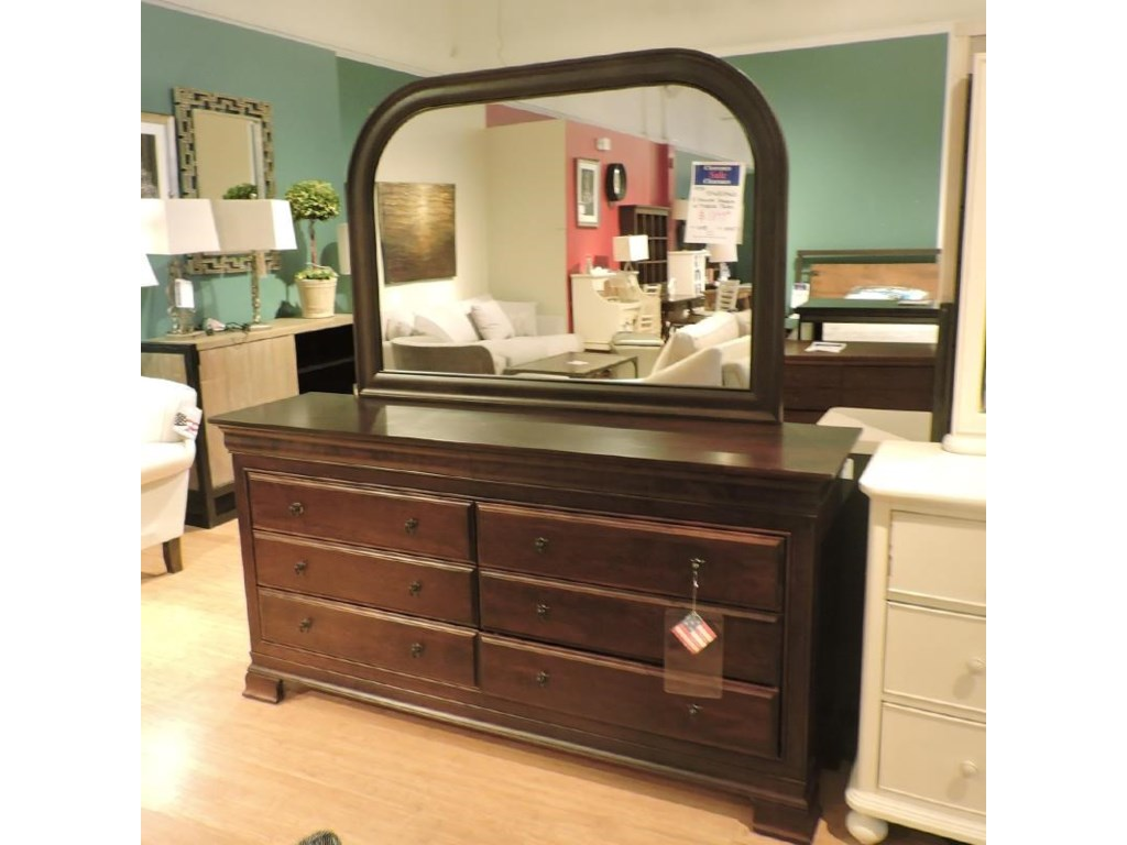 Daniel's Amish Clearance8 Drawer Dresser w/ Mirror