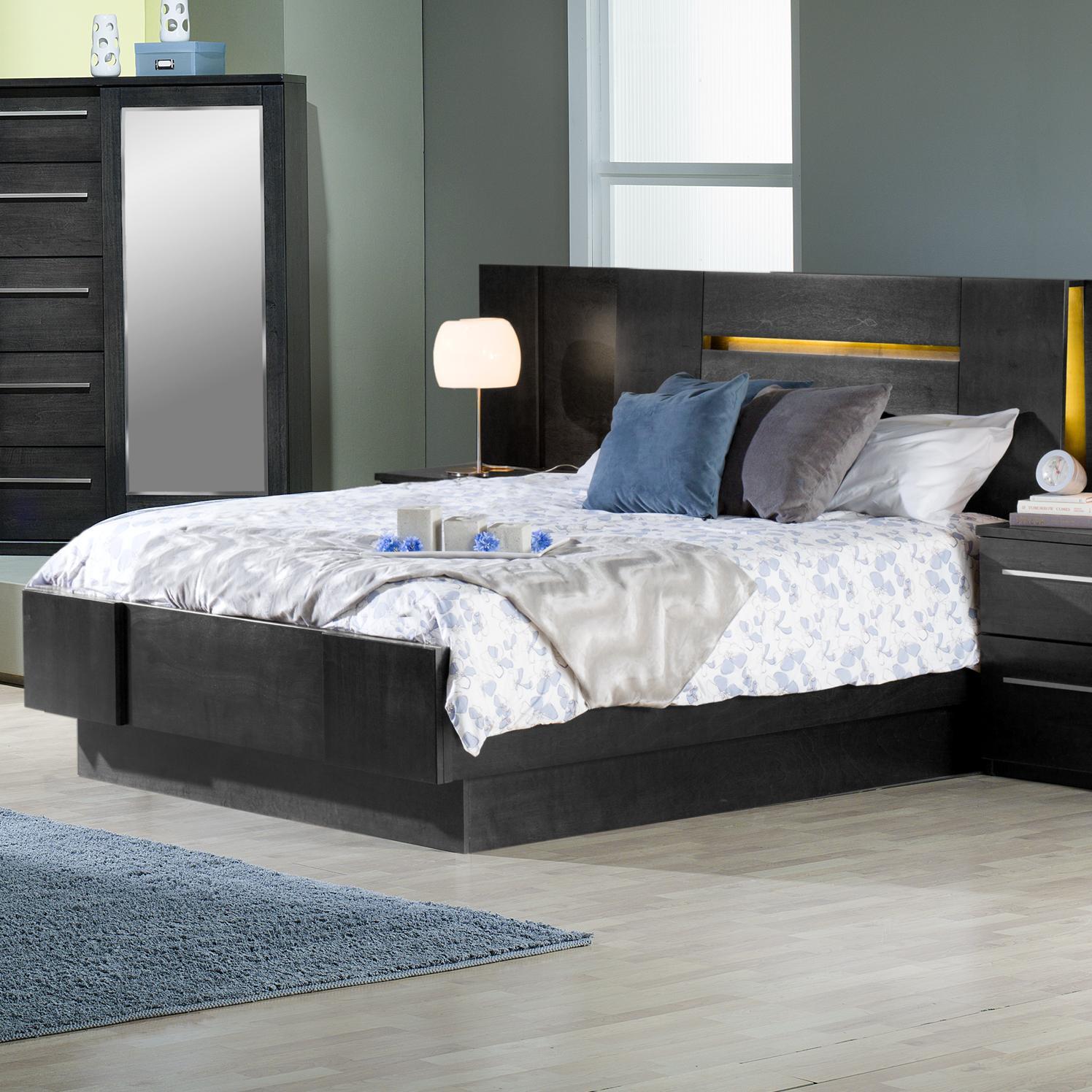 Contemporary Queen Platform Bed with 2 Nightstands
