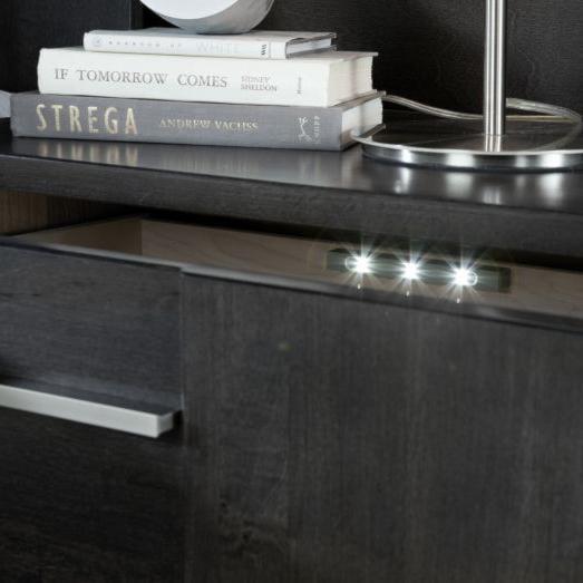 Defehr MilanoQueen Platform Bed with 2 Nightstands