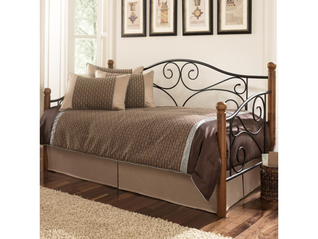 Fashion Bed Group DaybedsDoral Daybed With Link Spring