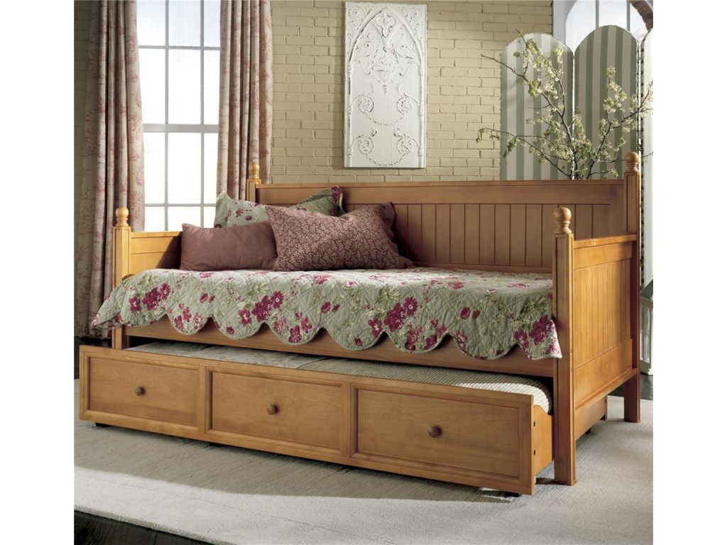 Daybeds casey ii daybed w trundle
