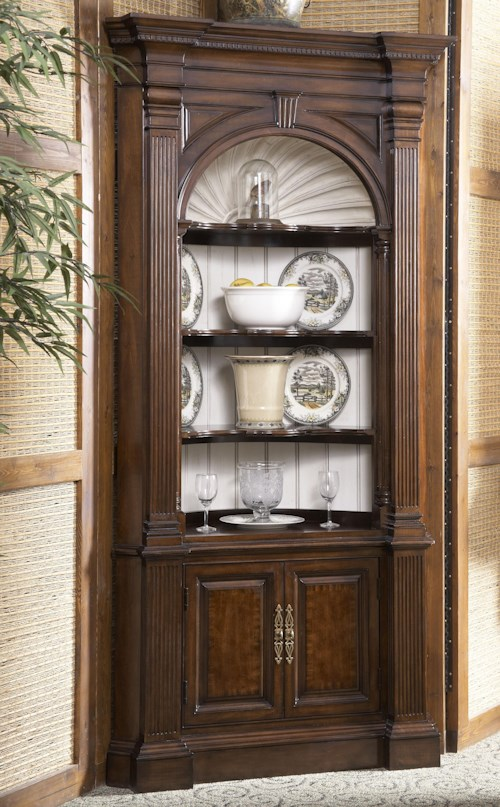 Fine Furniture Design American Cherry Warwick Corver Cabinet with Carved Shell Backpanel