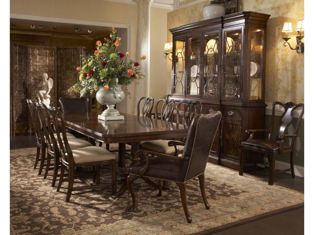 Fine Furniture Design Hyde Park9 Piece Table and Chair Set