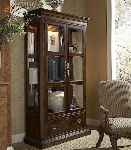 Fine Furniture Design Hyde Park Traditional Curio China Cabinet