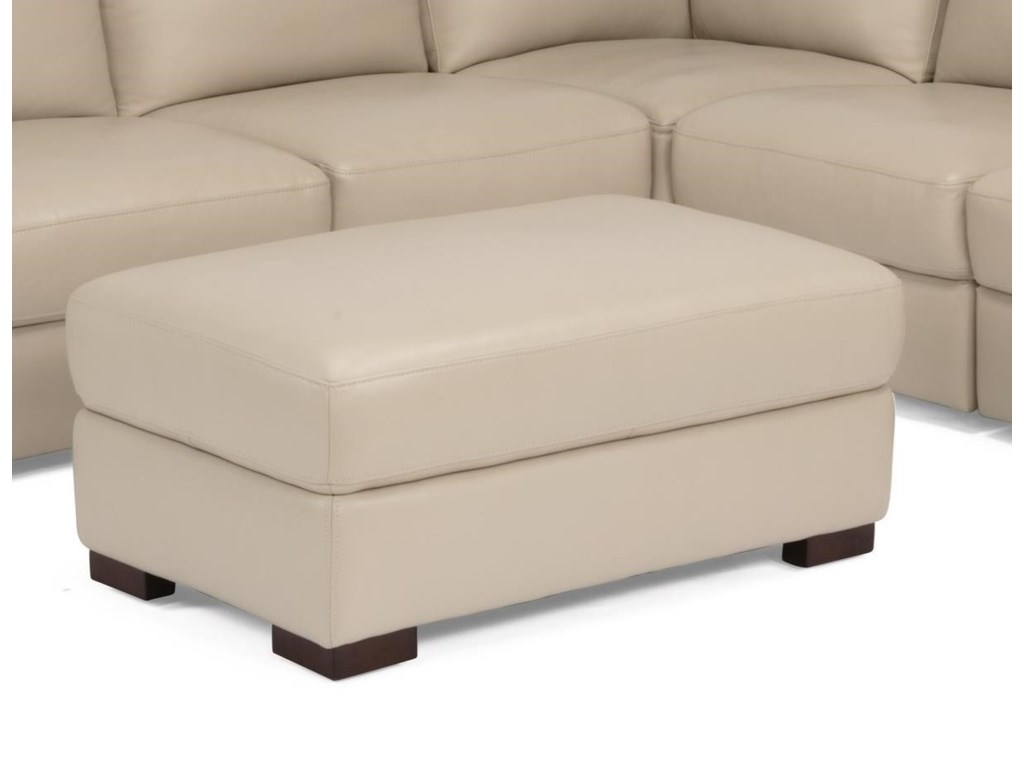 Flexsteel Latitudes- DowdRectangular Cocktail Ottoman