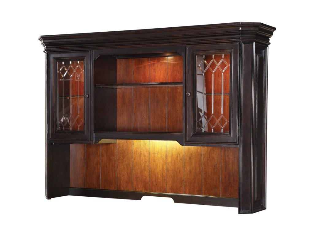Flexsteel Wynwood Collection EastchesterTraditional Hutch