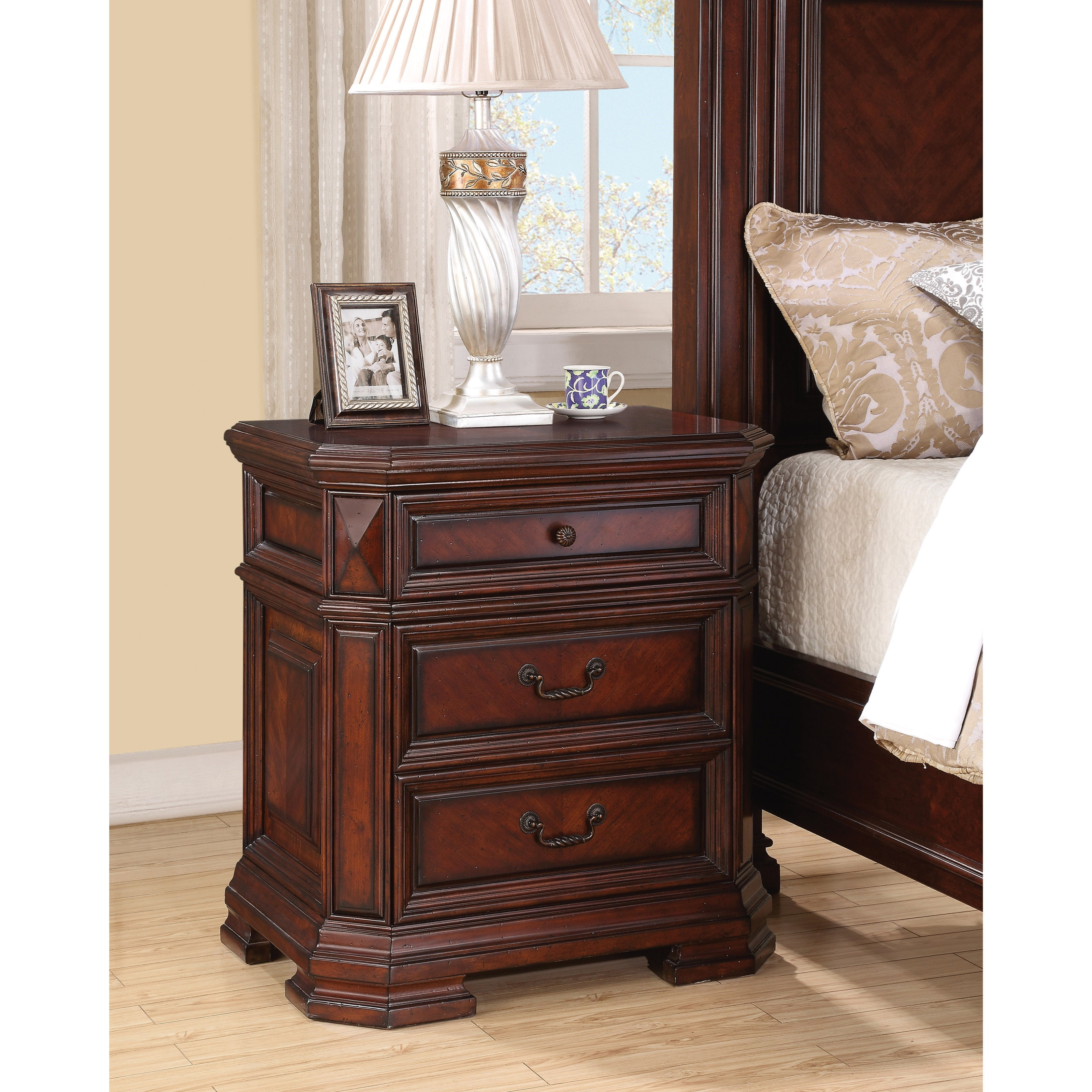 flexsteel wynwood collection westchester traditional night stand with builtin power - Wynwood Furniture
