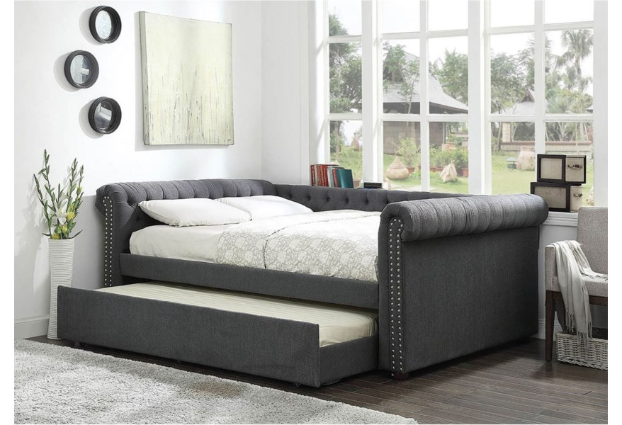 Tufted Queen Size Daybed