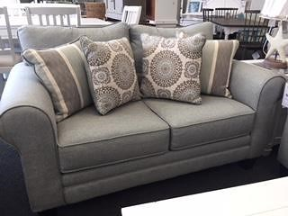 Fusion Furniture 1140 Grande Mist Loveseat