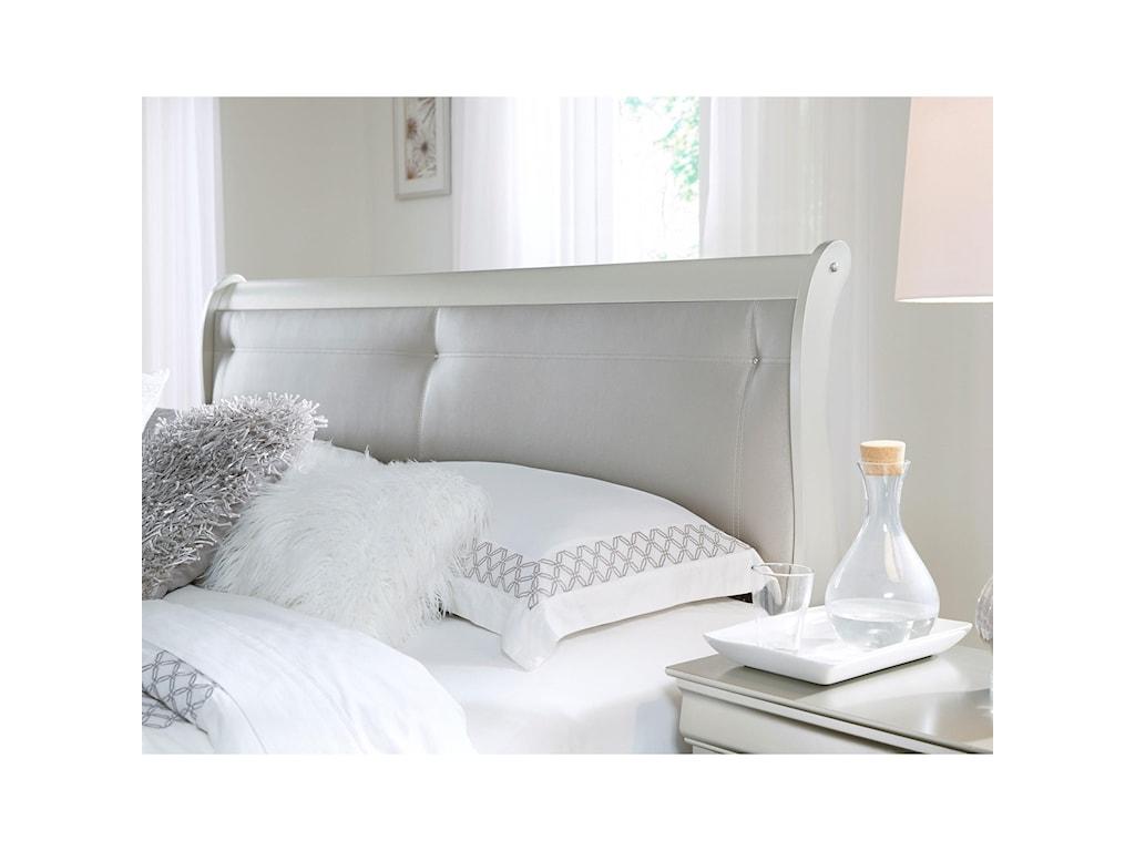 Global Furniture MarleyQueen Bed
