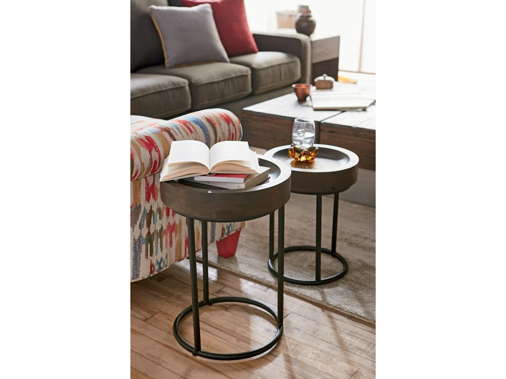 Hammary JunctionSmall & Large Timber Tray Table