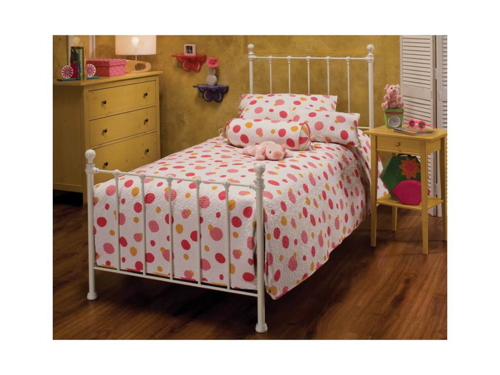 Hillsdale Metal BedsQueen Molly Bed Set