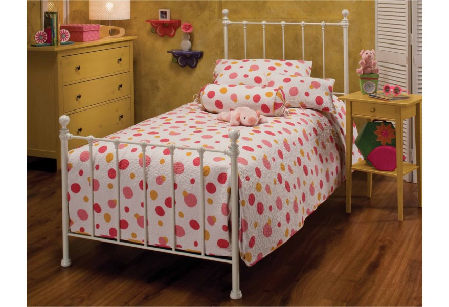Hillsdale Metal Beds Queen Molly Bed Set With Rails Vandrie Home