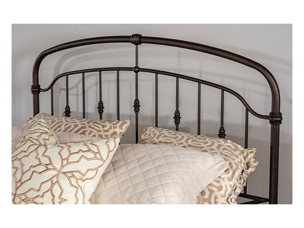 Hillsdale PearsonMetal Queen Bed