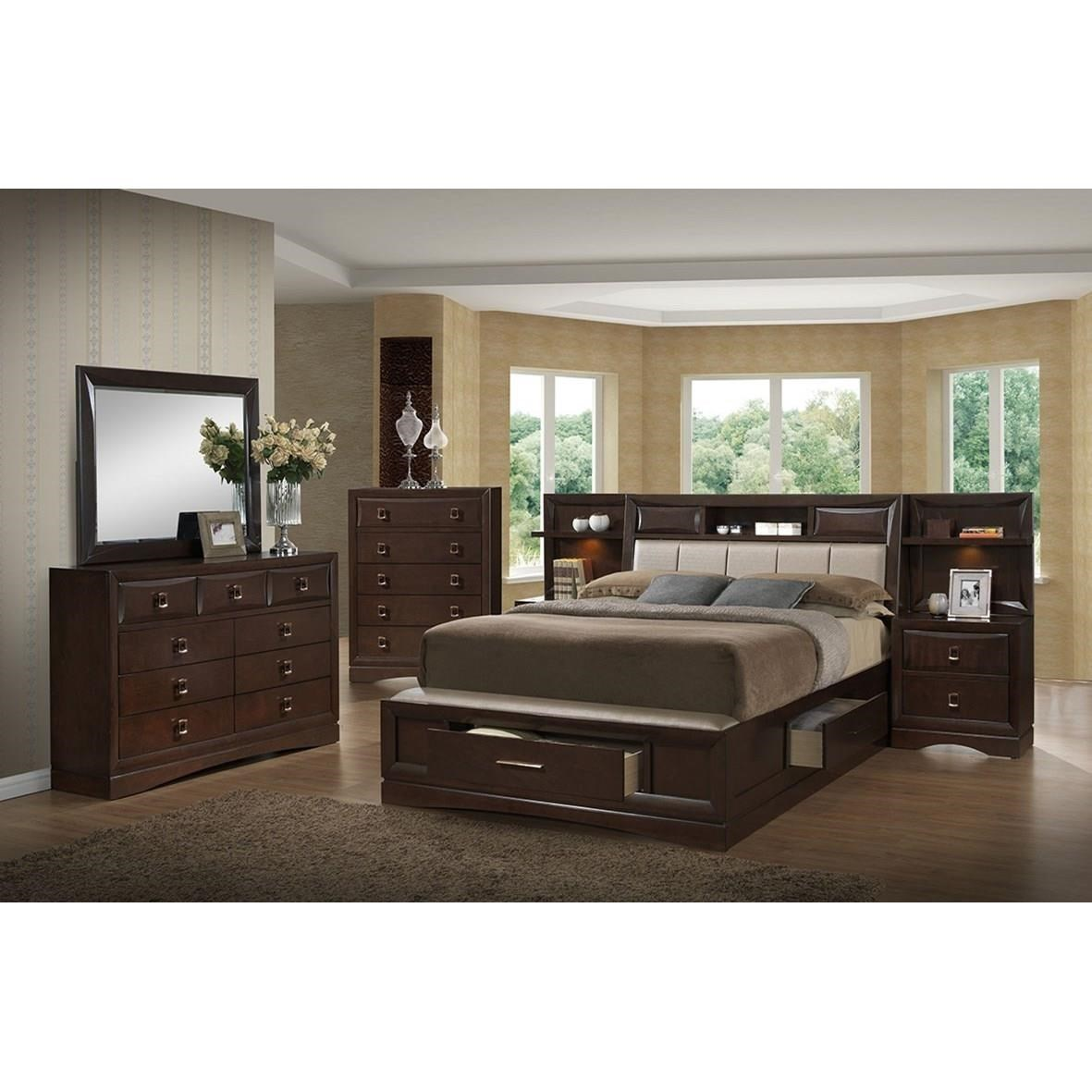 Delightful Holland House FranklinQueen 4 Piece Bedroom Group