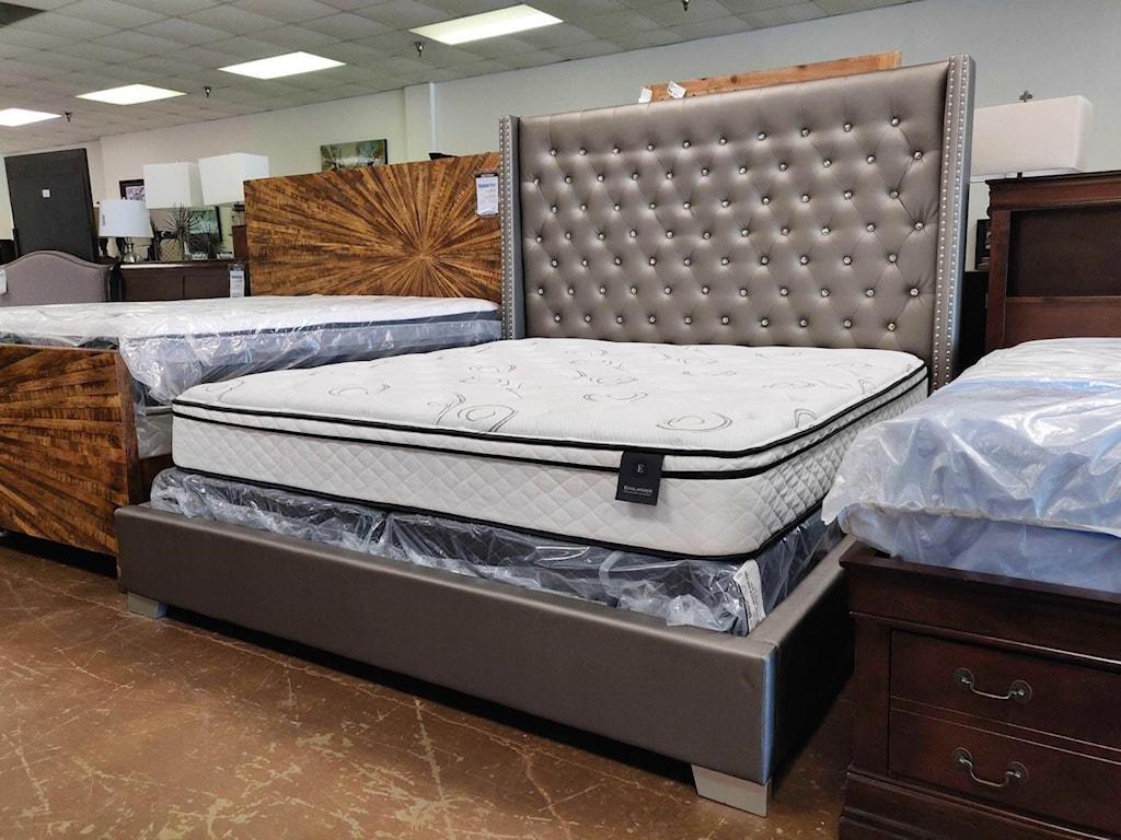 Homelegance ReedUpholstered Bed