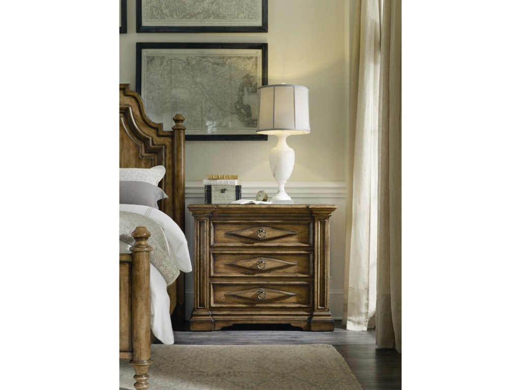 Hooker Furniture AuberoseThree-Drawer Bachelors Chest