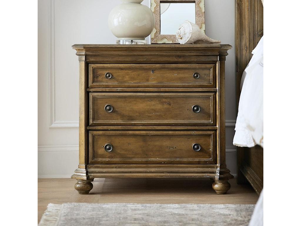 Hooker Furniture Ballanthyne3-Drawer Nightstand