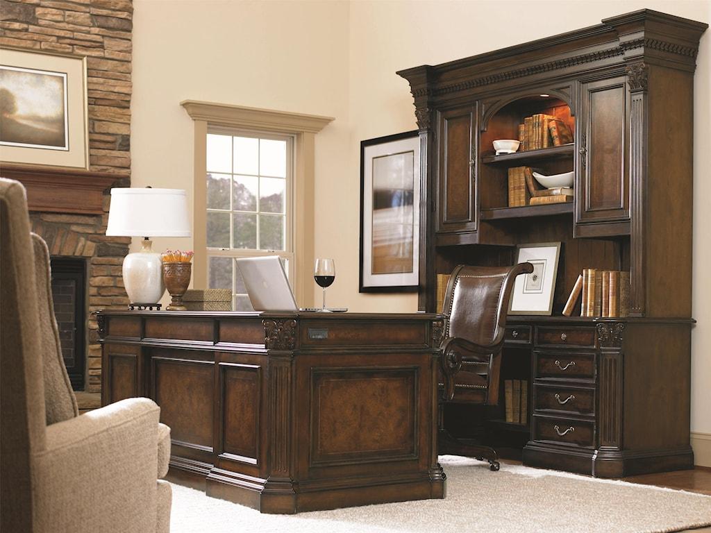 Hooker Furniture European Renaissance IIExecutive Desk 73 inch