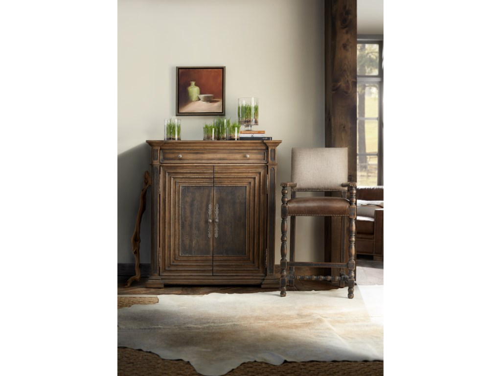 Hooker Furniture Hill CountryCypress Mill Accent Chest