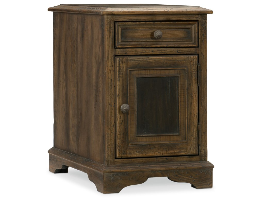 Hooker Furniture Hill CountryDewees Chairside Table